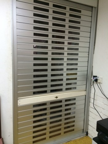Industrial Factory Aluminium Roller Shutters with acrylic strips